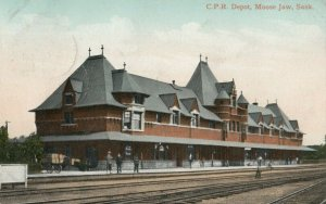MOOSE JAW , Saskatchewan, 1900-10s ; C.P. Railroad Depot