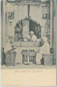 80345  -  TUNISIA  - VINTAGE POSTCARD   -   ETHNIC:  Perfume Merchant