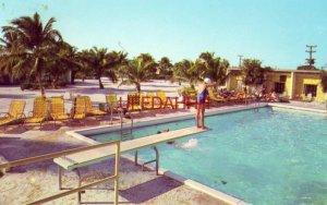 THE ISLANDER, FLORIDA'S MOST UNUSUAL RESORT, ISLAMORADA, FL guests at pool