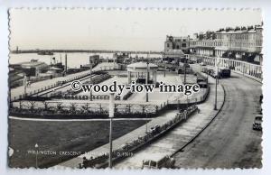 tp9191 - Kent - Wellington Crescent & Gardens c1950/60s, in Ramsgate - postcard