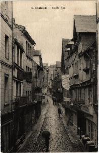 CPA LISIEUX - Vieille Rue (276581)