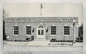 Bryan Ohio~US Post Office~Mailbox~Globe Lamps~Silver Border~Wayne Paper Box~1940