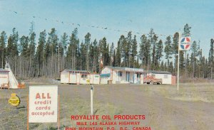 PINK MOUNTAIN , B.C. , Canada , 1967 ; Royalite Gas Station , Alaska Highway
