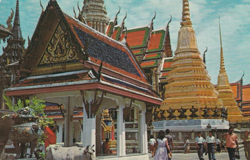 BANGKOK , Thailand , 50-60s ; Inside the temple of the Emerald Budha