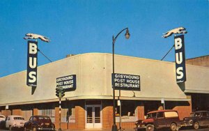 GREYHOUND BUS DEPOT Bus Station, Restaurant SANTA ROSA, CA c1950s Postcard