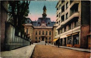 CPA VILLEFRANCHE-en-BEAUJOLAIS L'Hotel-de-VILLE et le Forum (614560)