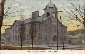 F6/ Toronto Ohio Postcard 1909 High School Building