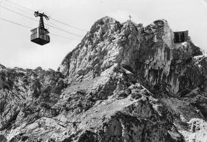 Untersberg Seilbahn auf das Geiereck bei Salzburg Berg Mountain Cable Car