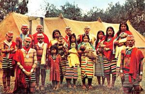 Ecuador Colorado Indians Family, Familia de Indios Colorados