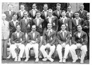 Cricket Postcard, Bodyline The England Team that toured Australia in 1932-33 X65