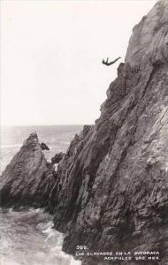 Mexico Acapulco Cliff Diving Real Photo