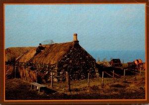 Scotland Isle Of Skye Kilmuir Mr J Mac Donald Thatching At The Skye Museum