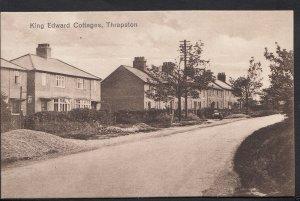 Northamptonshire Postcard - King Edward Cottages, Thrapston    B809