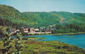 Le Mont Chamonix Au Confluent Des Rivieres Matapedia Et Restigouche, Matapedi...