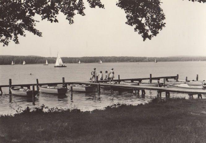 FDGB Erholungsheim Franz Kirsch Diensdorf AM Scharmutzelsee German Boat Postcard