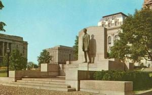 Abraham Lincoln's Statue, Springfield Illinois unused Pos...