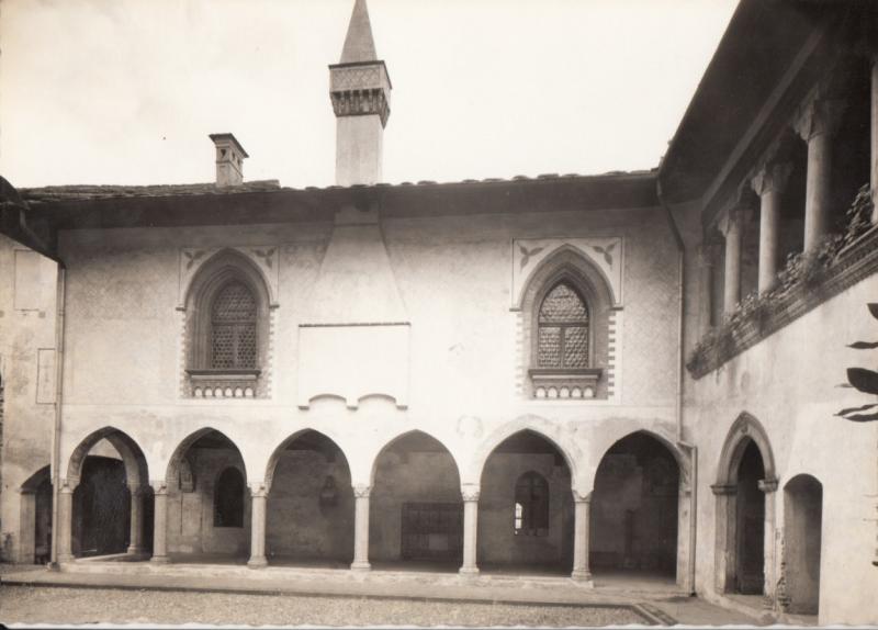 Switzerland, Suisse, Castello Visconti Locarno,cortile medioevale interno RPPC