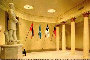 Mississippi Jackson Old Capitol Museum Jefferson Davis Statue