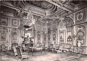 The Council Room Fontainebleau France Unused