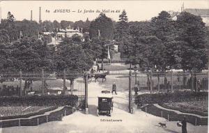 France Angers Le Jardin du Mail en ete