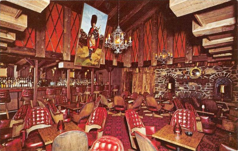 4464 MA Uxbridge  1970's Ye Olde Oyster Cabin Restaurant  The Royal Pipe...