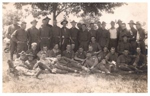 WW 1   Unit of Soldiers