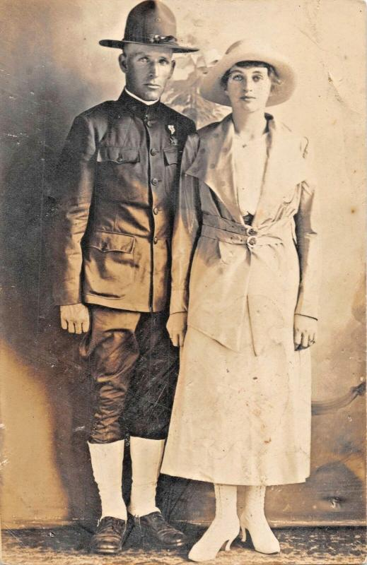 U S WW1 ARMY SOLDIER IN UNIFORM WITH WOMAN WIFE? REAL PHOTO POSTCARD