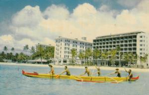 WAIKIKI , Hawaii ;  PU-1962 ; Outrigger canoeing