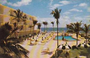 Tropical Motel Living In Florida A Swimming Pool Beside The Blue Ocean North ...