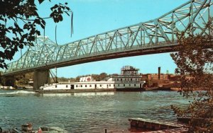 The Illinois, IL, River, A Great Waterway, Chrome Vintage Postcard g8351