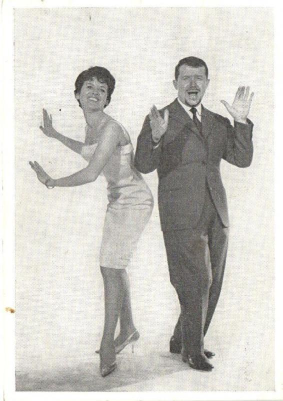 CPA Roger Rousseau & Chanteuse Katia Artiste Cinema Film (40981)