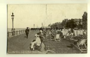 tp7847 - Kent - View East along Tower Gardens at Herne Bay - postcard