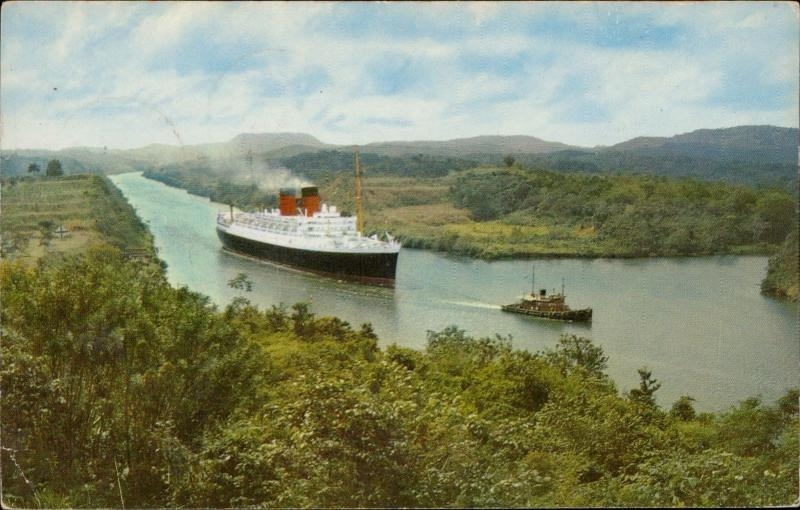 Panama Canal passing through Gaillard Cut