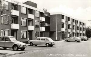 netherlands, SOMMELSDIJK, Elderly Apartment, Cars (1960s) RPPC