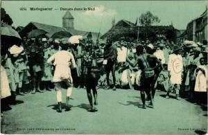 CPA Danses dans le Sud MADAGASCAR (819992)