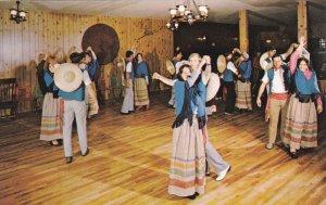 Danses folkloriques, CAP-AUX-PIERRES , Isle-aux-Coudres , Cte. Charlevoix , Q...