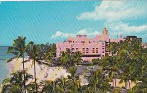 Hawaii Honolulu Royal Hawaiian Hotel In Hawaii On The Beach At Waikiki