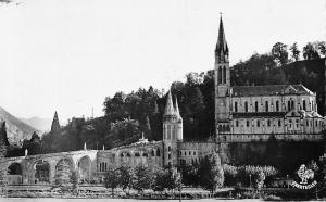 France Lourdes La Basilique vue de la Route de Pau