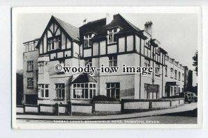 tq0936 - Devon - Earlier View of Torbay Court Hotel, in Paignton - Postcard