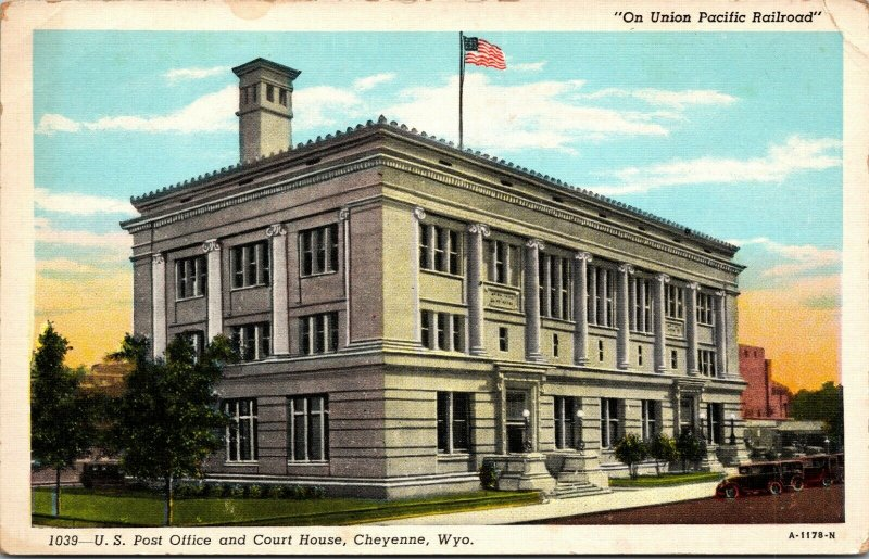 Postcard - US POST OFFICE COURT HOUSE Union Pacific Railroad - Cheyenne, Wyoming