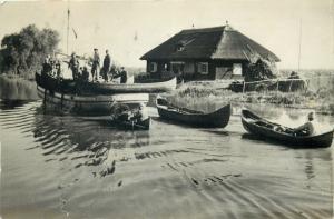 Romania Danube Delta fishing cottage fishermen boats postcard