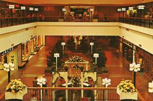 RI - Warwick, Midland Mall 1969- Interior