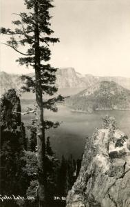 OR - Crater Lake. Wizard Island.   *RPPC