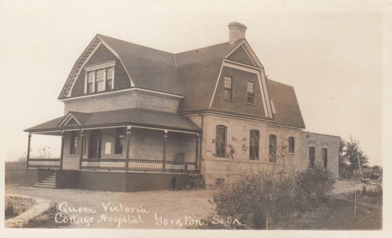 RP: YORKTON , Sask., Canada , 1900-10s ; Queen Victoria Cottage Hospital