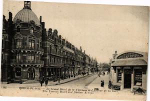 CPA Berck-Plage-Le Grand Hótel de la Terrasse et l'Avenue de la Gare (46309)