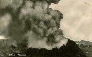 Italy - Mt Vesuvius Volcano Eruption.   *RPPC