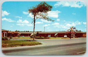 Niagara Falls New York~Honeymoon Motel~Neon Lights~Telephone Booth~1950s Cars~PC
