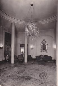 RP; PARIS , France , 1960 ; Hotel Plaza-Athenee , Hall d'entree