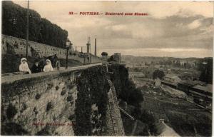 CPA POITIERS - Boulevard sous Blossac (255678)