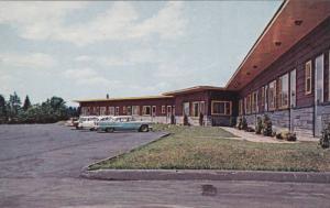 Classic Cars, Laurentian Motel, St. Jerome, Quebec, Canada, 40-60´s